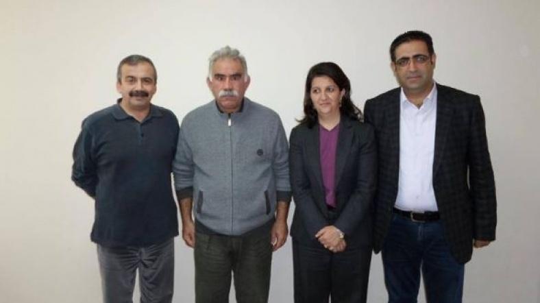 Pkk lideri Abdullah Öcalan'ın son fotoğrafları İmralı Heyet'i ile.